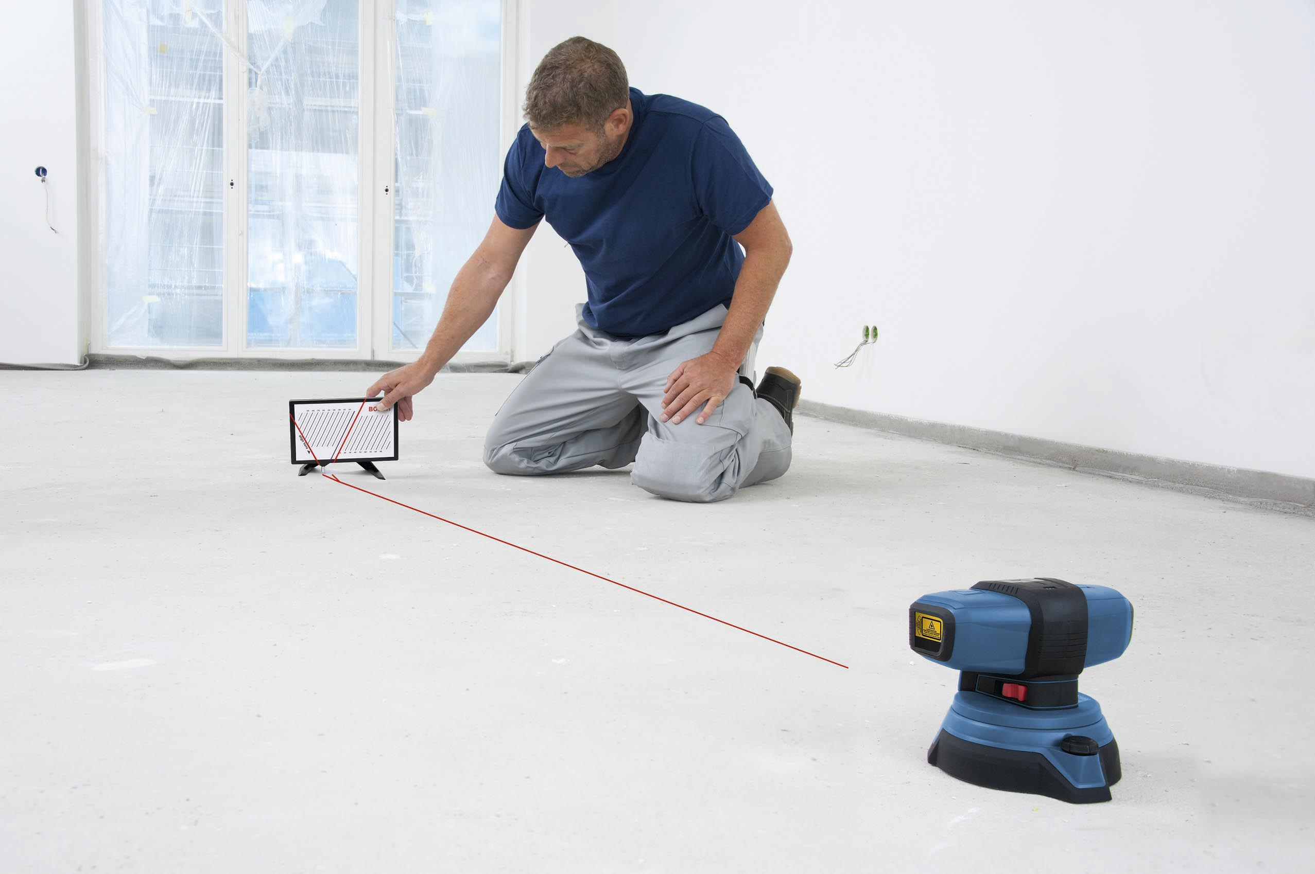 nouveau produit b timent le laser gsl 2 professional bosch le premier laser de sol qui d tecte. Black Bedroom Furniture Sets. Home Design Ideas