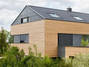 Nouveaux produits b timent toitures contemporaines faible pente les tuiles erlus en - Tuile faible pente ...