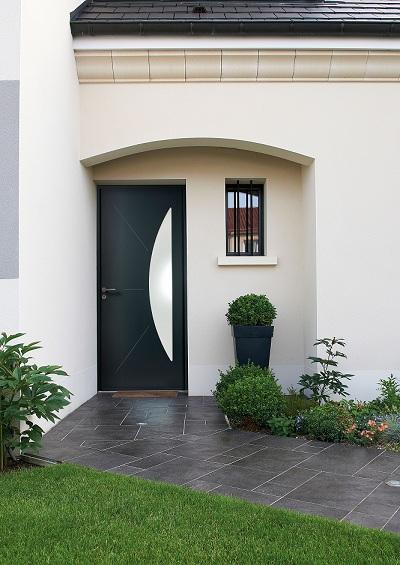 la nouvelle gamme de portes d 39 entr e composite conjugue design originalit et performance le. Black Bedroom Furniture Sets. Home Design Ideas